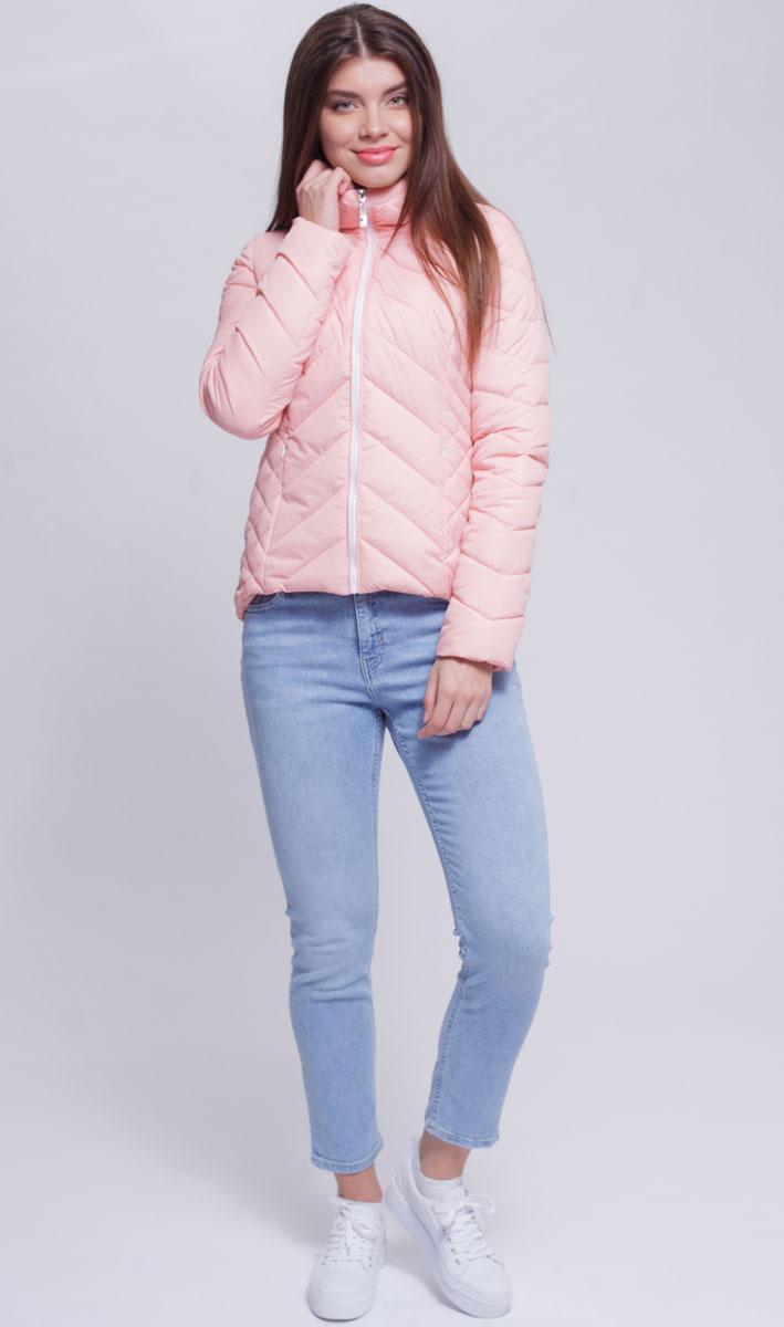 Куртка женская Ampir Style, цвет: пудровый. 8926. Размер 448926Качественная и практичная куртка российского производства. Наполнитель - холлофайбер в пух-пакетах. Можно стирать в машинке, наполнитель не убежит. На модели 42 размер куртки, параметры модели 82х64х89, рост 175 см.