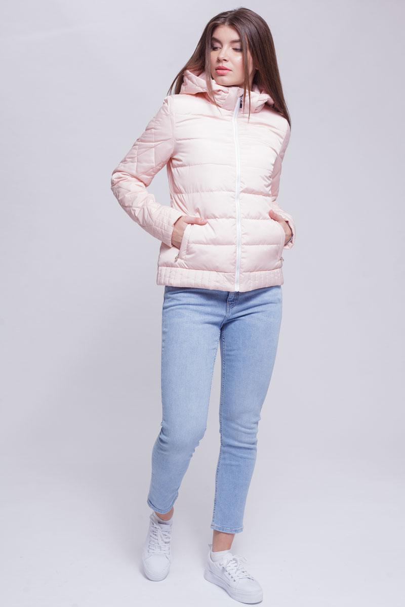Куртка женская Ampir Style, цвет: пудровый. 8928. Размер 468928Качественная и практичная куртка российского производства. Наполнитель - холлофайбер в пух-пакетах. Можно стирать в машинке, наполнитель не убежит. На модели 42 размер куртки, параметры модели 82х64х89, рост 175 см.