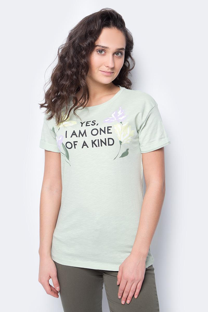 Футболка женская United Colors of Benetton, цвет: зеленый. 3Z01E10C8_2G8. Размер L (46/48)3Z01E10C8_2G8Футболка от United Colors of Benetton выполнена из натурального хлопкового трикотажа. Модель с короткими рукавами и круглым вырезом горловины спереди оформлена принтом.