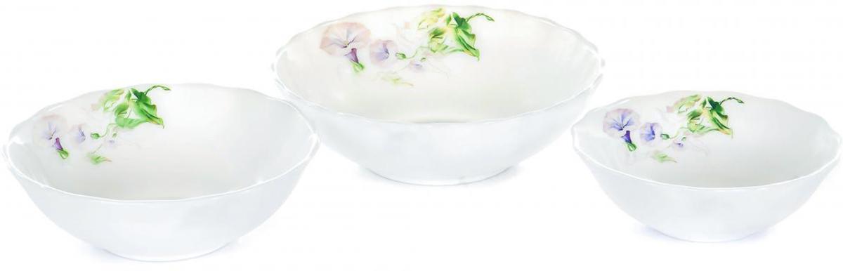 Набор салатников Olaff Скарлет, 3 штJY-R-HW-3A-57Набор Olaff Скарлет, выполненный из стеклокерамики, декорирован цветочным рисунком.Набор посуды включает в себя три салатника. Объемы салатников: 300 мл; 450 мл; 750 мл. Набор упакован в красочную, подарочную упаковку.