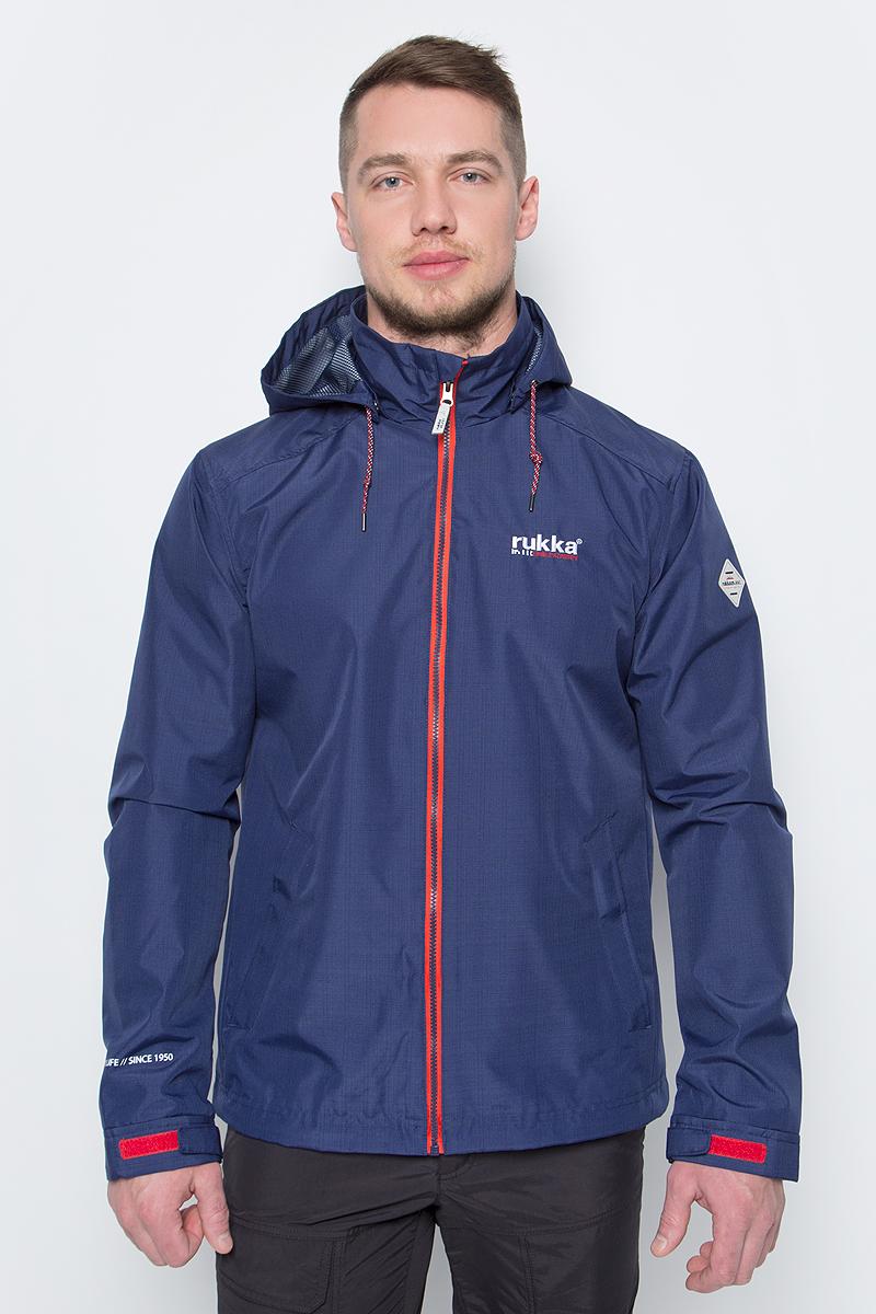 Куртка мужская Rukka, цвет: темно-синий. 979324283RV_385. Размер L (52)979324283RV_385Легкая куртка от Rukka выполнена из высококачественного полиэстера. Модель с длинными рукавами, воротником-стойкой и отстегивающимся капюшоном застегивается на молнию, по бокам дополнена втачными карманами.