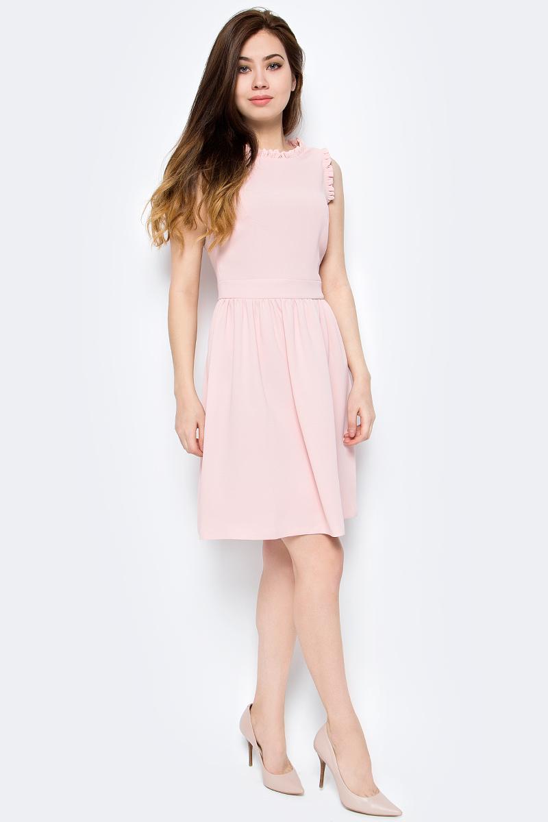 Платье женское adL, цвет: светло-розовый. 12433436000_026. Размер S (42/44)12433436000_026Стильное платье от adL выполнено из высококачественного полиэстера. Модель приталенного кроя без рукавов и круглым вырезом горловины. Платье застегивается на пуговицу сзади.Данная модель прекрасно сможет подчеркнуть ваш индивидуальный стиль.