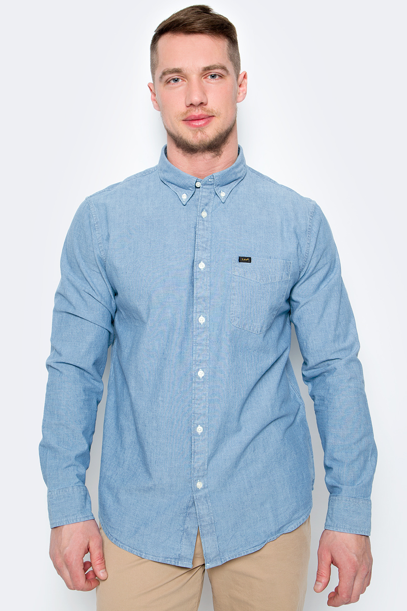 Рубашка мужская Lee, цвет: синий. L880QXEJ. Размер S (46)L880QXEJМужская рубашка от Lee выполнена из натурального хлопка. Модель с длинными рукавами и отложным воротником застегивается на пуговицы. На груди дополнена накладным карманом. Рукава с манжетами на пуговицах.