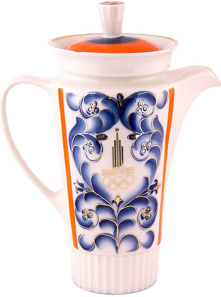 Кувшин с олимпийской символикой. (небольшой скол на горлышке) Фарфор, роспись. СССР, 80-е годы XX века предметы с олимпийской символикой