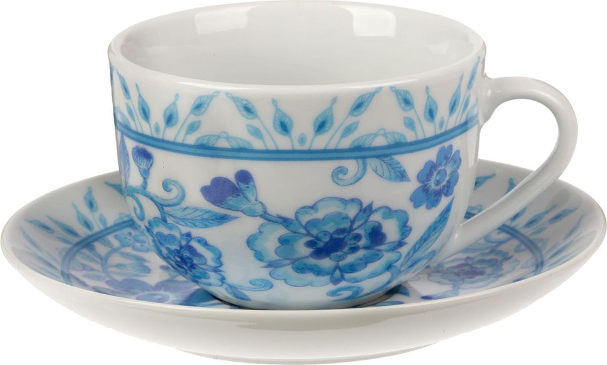 Чайная пара Гжель, цвет: белый, 2 предмета1538038Яркий, неповторимый набор создан, чтобы моментально поднимать настроение и дарить радость. А любой напиток станет вкуснее, если пить его из такой посуды.Комплект с благородным дизайном изготовлен из лёгкой керамики. Это отличный подарок, который придётся по душе всем любителям чая или кофе.В набор входит:чашка с рисунком, 220 мл;блюдце с рисунком, 15 см.Пара преподносится в подарочной коробке с индивидуальным дизайном.