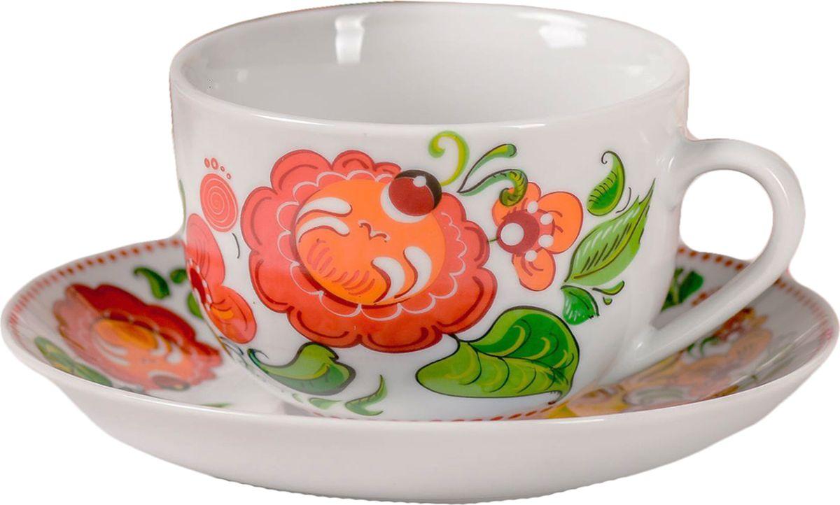 Чайная пара Жостово, цвет: белый, 2 предмета. 23520292352029Яркий, неповторимый набор создан, чтобы моментально поднимать настроение и дарить радость. А любой напиток станет вкуснее, если пить его из такой посуды.Комплект с благородным дизайном изготовлен из лёгкой керамики. Это отличный подарок, который придётся по душе всем любителям чая или кофе.В набор входит:чашка с рисунком, 220 мл;блюдце с рисунком, 15 см.Пара преподносится в подарочной коробке с индивидуальным дизайном.