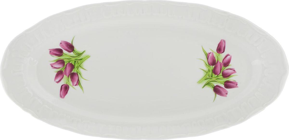 Праздничный стол невозможно представить без такой привычной детали, какселедочница.  Эта часть праздничного сервиза хорошо известна каждому: продолговатая тарелка, на которой обычно лежит рыбное блюдо или закуска.  Но так как в селедочнице можно также увидеть нарезки и другие яства, ее можно считать многофункциональной. Как правило, бортики у этой тарелки низкие, что дает возможность без труда брать кусочки еды специальными лопаточками или вилочками.  Украсить свой стол оригинальной селедочницей, значит придать ему особый шарм. Ведь от того, насколько изящно накрыт стол, зависит атмосфера, царящая за ним. Предметы сервировки здесь играют особую роль. И селедочница – один из самых необходимых элементов для полноценного праздничного стола.