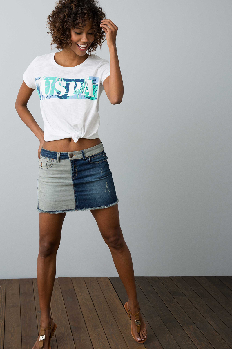 Футболка женская U.S. Polo Assn., цвет: белый. G082GL0110GAZEL. Размер XL (50)G082GL0110GAZELСтильная женская футболка U.S. Polo Assn. разнообразит ваш повседневный гардероб и поможет создать яркий образ. Модель прямого кроя с короткими рукавами изготовлена из натурального хлопка и оформлена принтом с аббревиатурой бренда. Круглый вырез горловины дополнен мягкой эластичной бейкой.