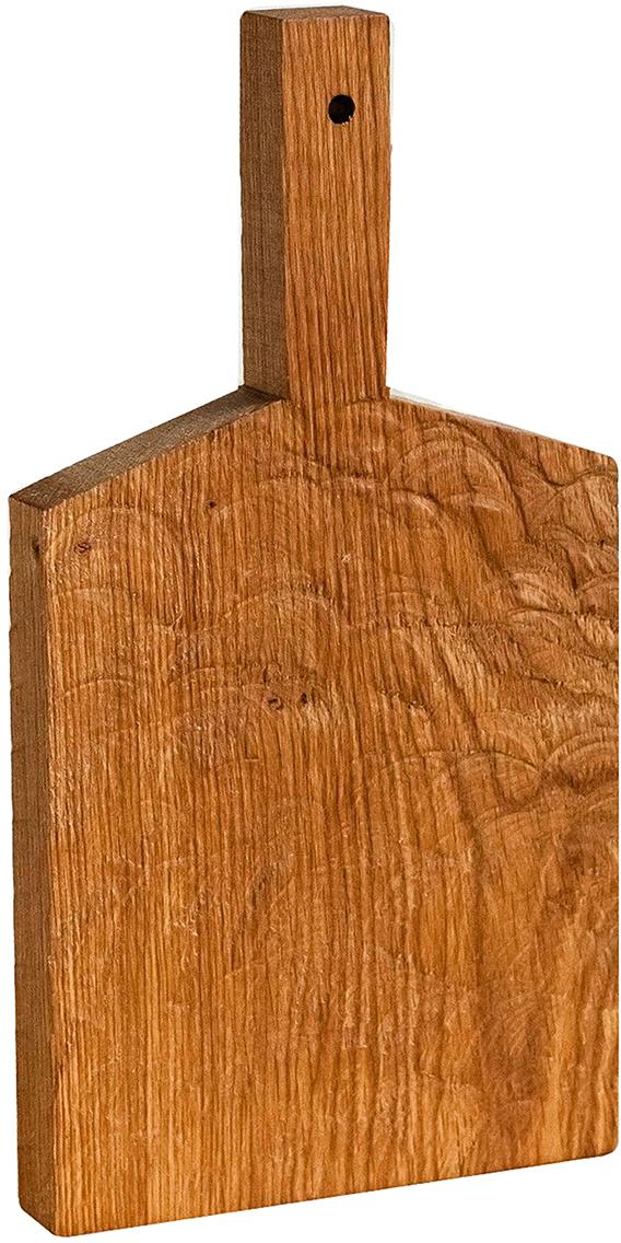 FUGA — не просто кухонная утварь, это российские традиции, воплощённые в современном дизайне.  Как известно, деревянную посуду используют в быту испокон веков, а для современной хозяйки это ещё и эстетика, надёжность и экологичность.  Разделочная доска FUGA изготавливается из натурального дуба, который обладает естественными антисептическими свойствами и является одним из самых прочных материалов. Для финишного покрытия вместо лака используется льняное масло. С помощью естественного морения дереву придают разные оттенки. Благодаря такой обработке не только меняется окраска, но и уничтожается грибок.  Для FUGA важен не только дизайн, но и функциональность. Поэтому такую доску можно мыть даже в посудомоечной машине.