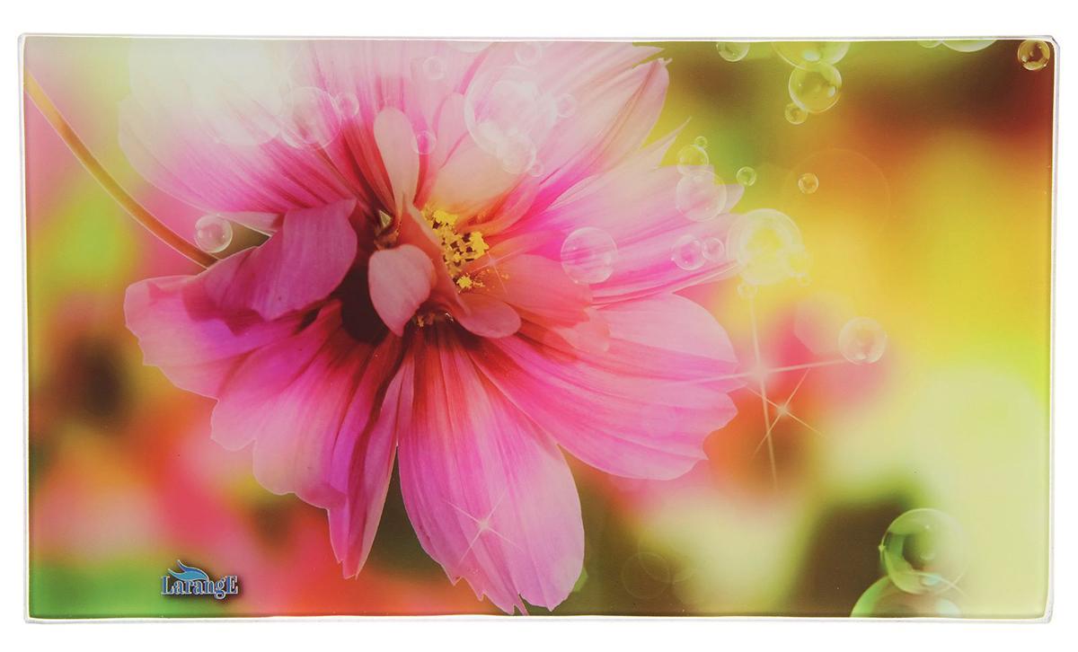 Доска разделочная Larange Цветок, цвет: розовый, 35 х 20 х 0,5 см1902416Разделочная доска из ударопрочного стекла — замечательный подарок для хозяйки. Благодаря яркому дизайну аксессуар станет украшением кухни, а качественный материал делает его практичным инструментом на долгие годы.Чем ещё хороша эта доска?Имеет противоскользящие резиновые ножки.Устойчива к механическим повреждениям и царапинам.Отлично подходит для раскатывания теста.Не впитывает запахи и жидкости.Толщина изделия — 4 мм.Рекомендуется ручная мойка. Избегайте использования абразивных моющих средств.