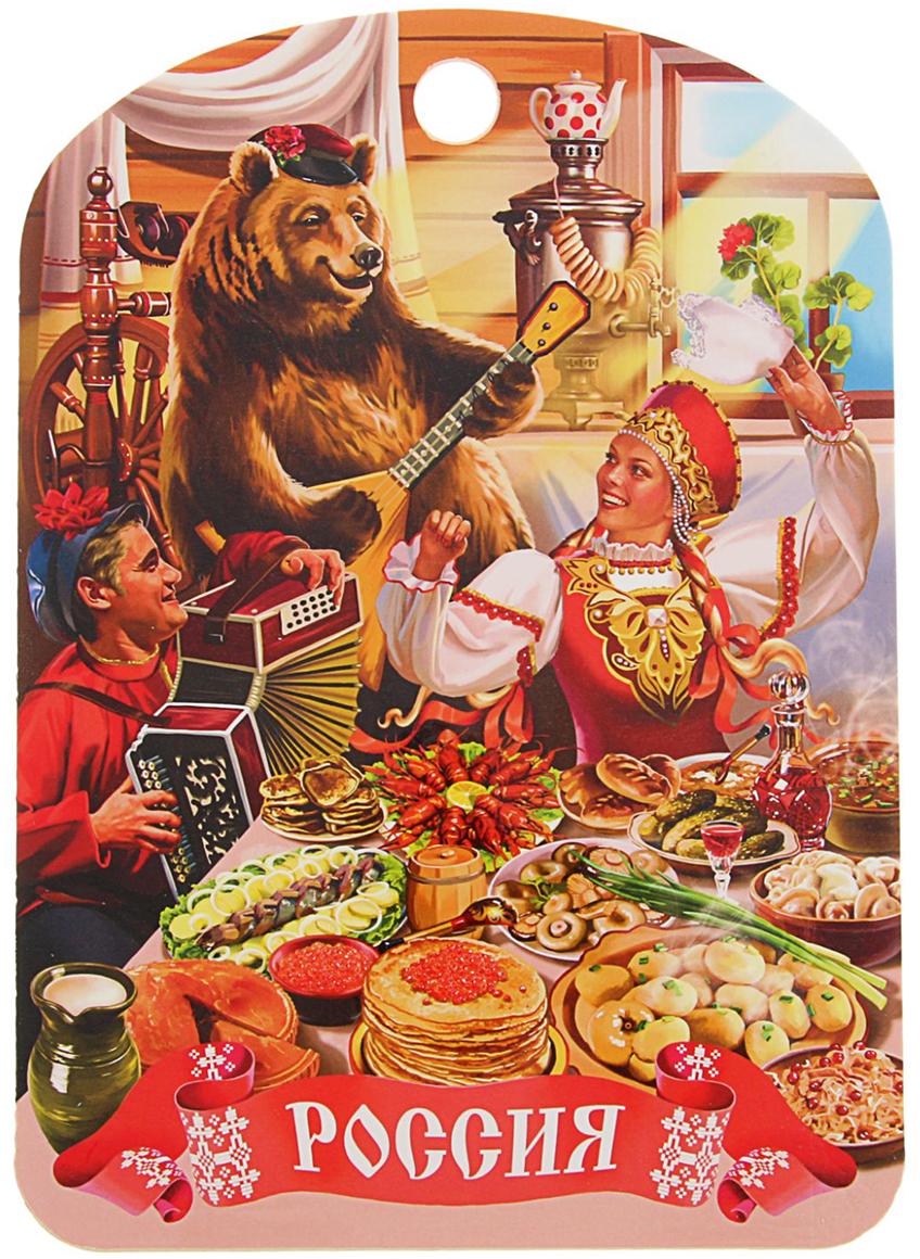 От качества посуды зависит не только вкус еды, но и здоровье человека. Доска разделочная - товар, соответствующий российским стандартам качества. Любой хозяйке будет приятно держать его в руках. Доска оснащена отверстием для подвешивания на крючок и декорирована красочным рисунком.  Такая доска прекрасно впишется в интерьер любой кухни и прослужит Вам долгие годы. С такой посудой и кухонной утварью приготовление еды и сервировка стола превратятся в настоящий праздник.