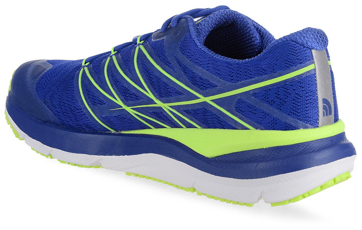 Легкие мужские кроссовки The North Face прекрасно подойдут для активного отдыха. Верх модели выполнен из из сетчатой ткани. Модель фиксируется на ноге шнуровкой. Внутренняя поверхность и стелька из текстиля обеспечат комфорт и уют. В таких кроссовках вашим ногам будет комфортно и уютно.
