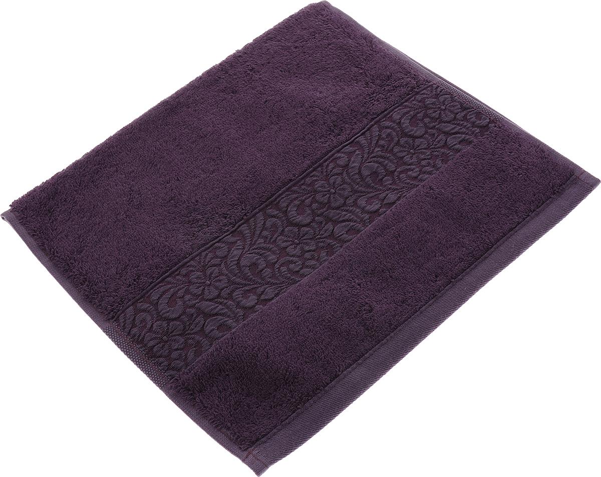 Полотенце Issimo Home Valencia, цвет: пурпурный, 30 x 50 см00000005589Полотенца из бамбука только издали похожи на обычные. На самом деле, при первом же прикосновении Вы ощутите насколько эти полотенца мягкие и нежные! Таким полотенцем не нужно вытираться - только коснитесь кожи - и ткань сама все впитает! Такая ткань впитывает в 3 раза лучше, чем хлопок! Набор из маленьких полотенец-салфеток очень практичен – он станет незаменимым в дороге и в путешествиях. Кроме того, это хороший, красивый и изысканный сувенир для всех, кому хочется подарить подарок. Лицевые и банные полотенца выполнены в наиболее оптимальных размерах и плотности – несмотря на богатую плотность и высокую петлю полотенец, они быстро сохнут, остаются легкими даже при намокании. Коллекция бамбуковых полотенец имеет красивый жаккардовый бордюр, выполненный с орнаментом в цвет полотенец.