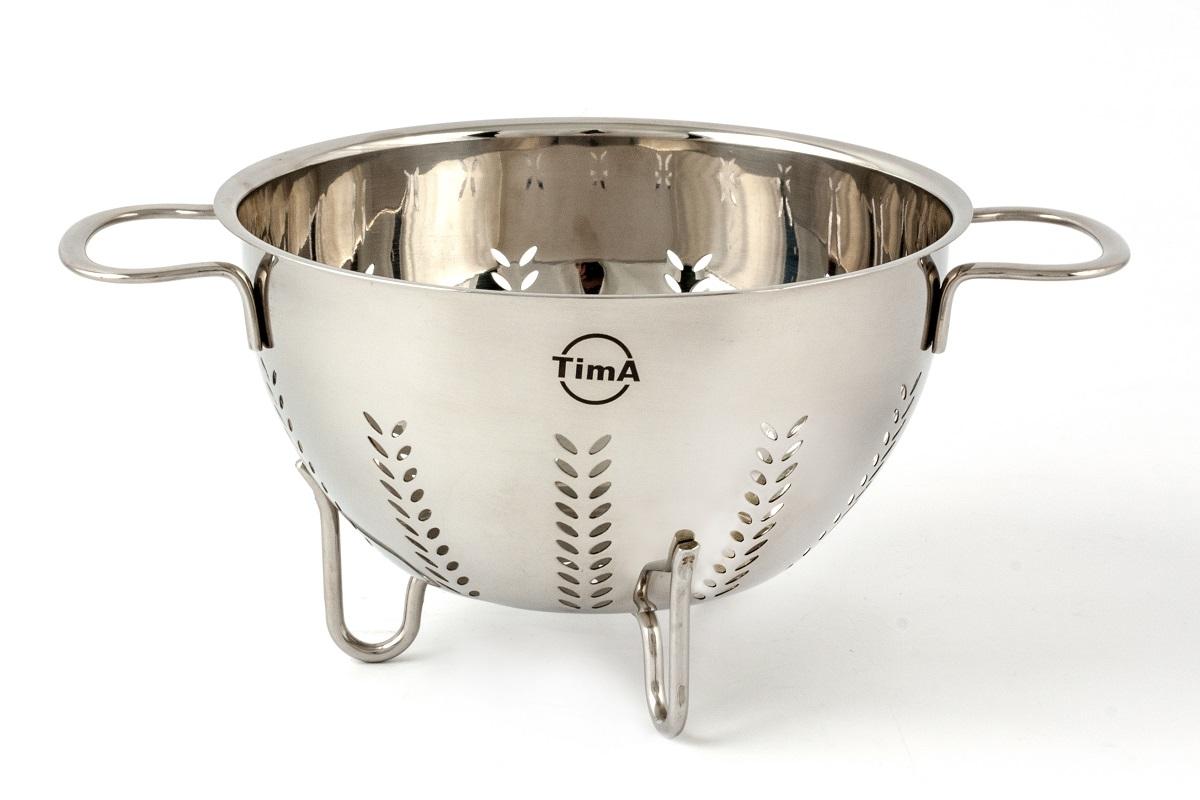 Дуршлаг TimA изготовлен из высококачественной нержавеющей стали AISI с зеркальной полировкой. Дуршлаг TimA идеалено подходит для процеживания ягод, спагетти, салата, овощей и других продуктов.