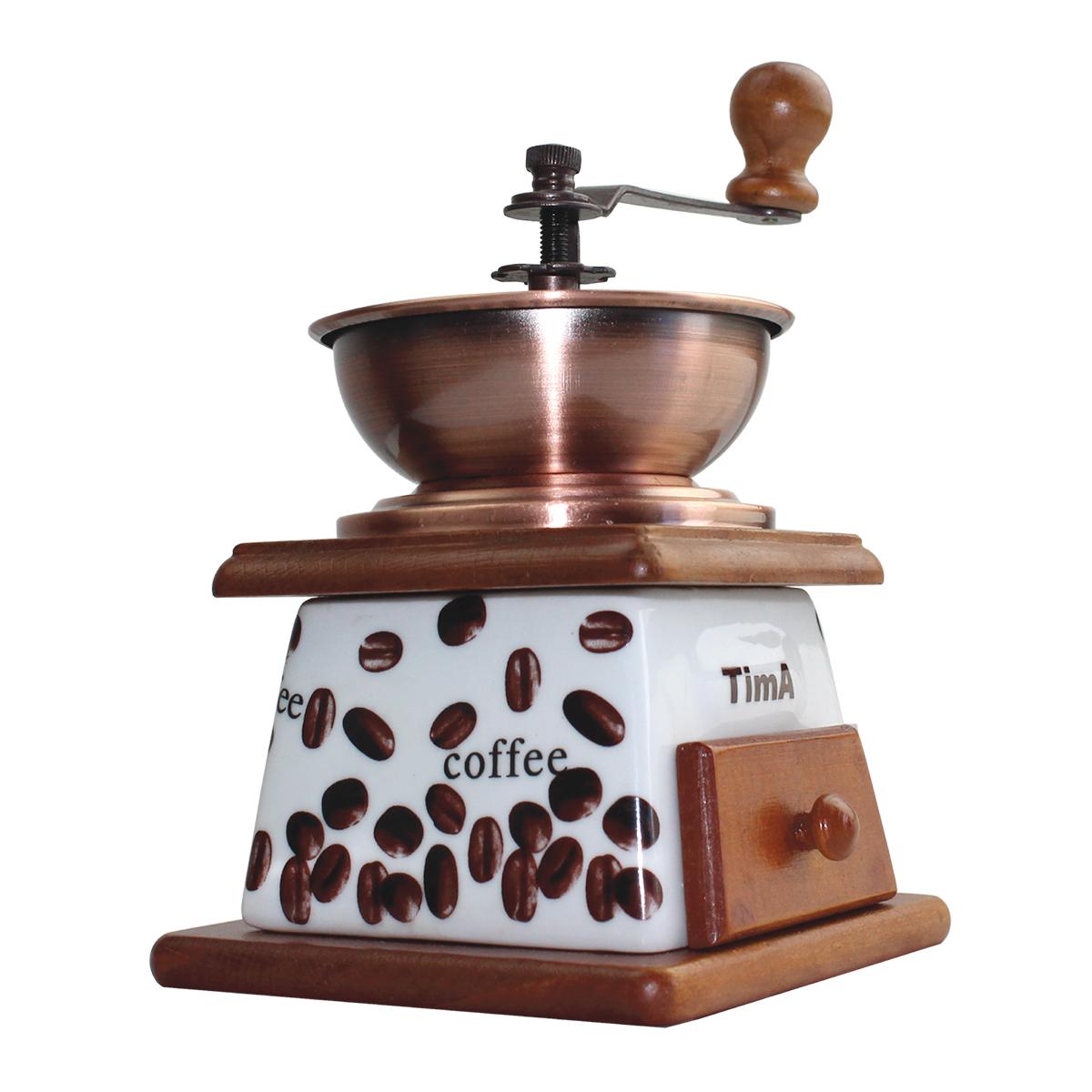 В механической кофемолке TimA размол кофейных зерен производится керамическими жерновами, приводимыми во вращение рукояткой. Использование керамических материалов не только сохраняетнатуральный вкус и аромат кофе, но и позволяет значительно продлить срок службы кофемолки. Порция кофейных зерен засыпается в чашу либо в купол. Степень помола можно регулировать самостоятельно, для чего надопокрутить винт на центральном стержне над жерновами. Для варки кофе в турке жернова должны быть расположены максимально близко друг к другу, для заваривания кофе во френч-прессе надо увеличить расстояние между жерновами. Молотый кофе накапливается в специальном деревянном ящичке внизу корпуса.