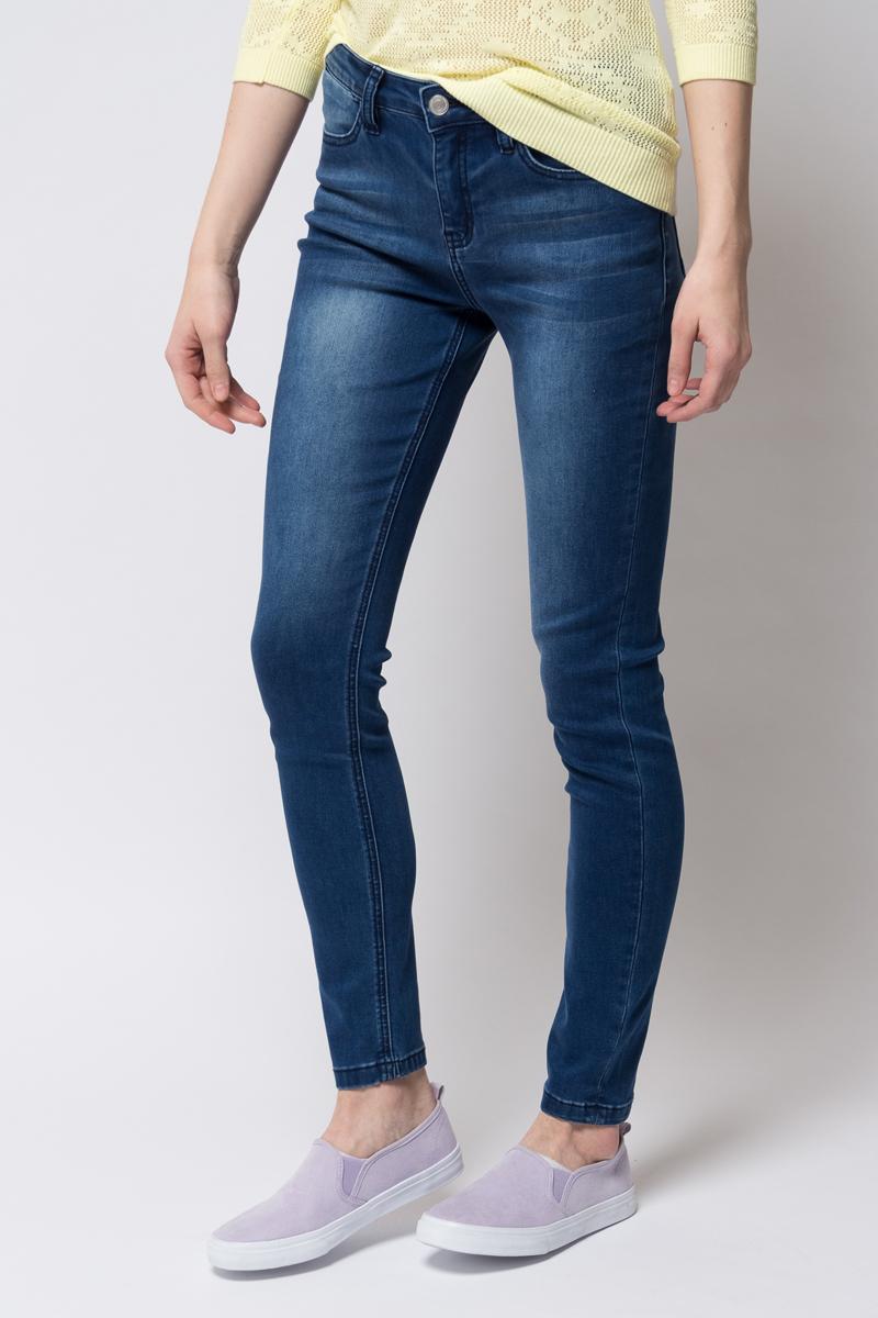 Джинсы женские Sela, цвет: темно-синий джинс. PJ-135/639-8102. Размер 33-32 (50-32)PJ-135/639-8102Джинсы-слим от Sela выполнены из эластичного хлопкового денима. Модель зауженного кроя в поясе застегивается на пуговицу, имеет ширинку на молнии и шлевки для ремня. Джинсы имеют классический пятикарманный крой.
