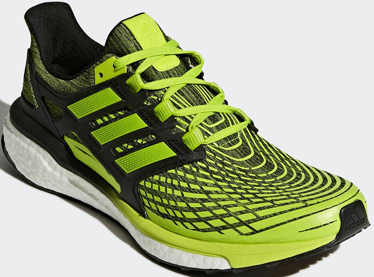 Кроссовки для бега мужские Adidas Energy Boost M, цвет: зеленый. CP9542. Размер 11,5 (45)CP9542В этих инновационных кроссовках вы готовы преодолевать длинные дистанции. Мужская беговая модель с нейтральной поддержкой стопы и бесшовным верхом Techfit из эластичной сетки обеспечивает надежную поддерживающую посадку. Промежуточная подошва Boost заряжает каждый шаг дополнительной энергией. Литой пяточный каркас и подошва Stretchweb повторяют естественные движения стопы. Torsion System соединяет носок и пятку, обеспечивая стабильность каждого шага. Вставка из термополиуретана во внешнем каркасе задника для оптимальной посадки в средней части стопы и пятке.Перепад высоты на промежуточной подошве: 10 мм (пятка: 32 мм, носок: 22 мм).