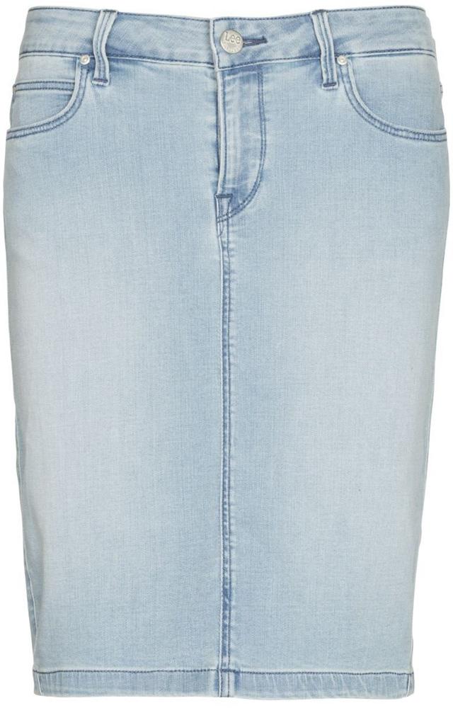 Юбка Lee, цвет: голубой. L38GRKXS. Размер 24 (40)L38GRKXSДжинсовая юбка от Lee выполнена из эластичного хлопкового денима. Модель облегающего кроя застегивается на пуговицу в поясе и ширинку на застежке-молнии, дополнена шлевками для ремня. Юбка имеет классический пятикарманный крой, характерный для джинсов: спереди модель дополнена двумя втачными карманами и одним маленьким накладным кармашком, а сзади - двумя накладными карманами.