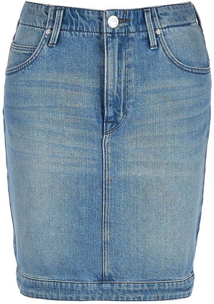 Юбка Lee, цвет: синий. L38MRESJ. Размер 25 (40/42)L38MRESJДжинсовая юбка от Lee выполнена из натурального хлопкового денима. Модель облегающего кроя застегивается на пуговицу в поясе и ширинку на застежке-молнии, дополнена шлевками для ремня. Юбка имеет классический пятикарманный крой, характерный для джинсов: спереди модель дополнена двумя втачными карманами и одним маленьким накладным кармашком, а сзади - двумя накладными карманами.
