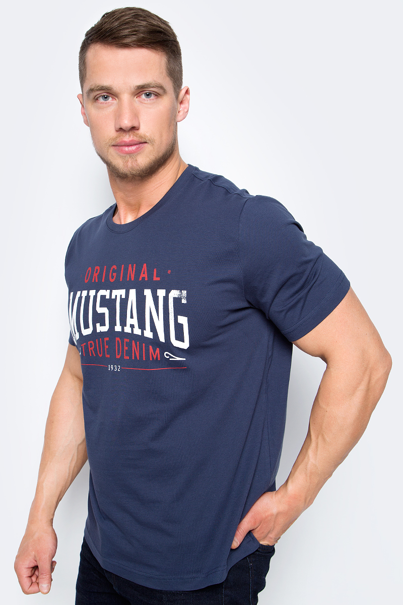 Футболка мужская Mustang Logo Special Tee, цвет: синий. 1005869-5228. Размер M (48) футболка мужская mustang basic tee цвет черный 6138 1603 440 4142 размер m 48