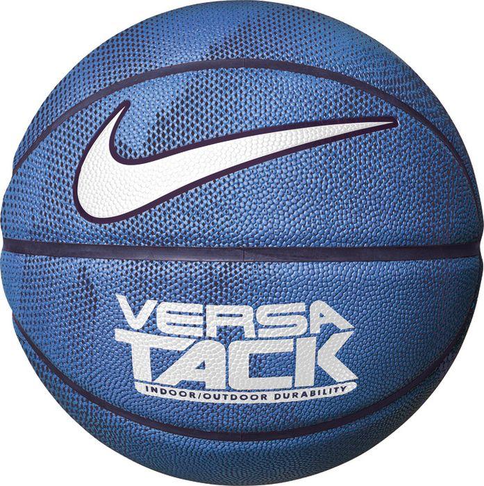 Мяч баскетбольный Nike Versa Tack, цвет: синий, черный, белый. Размер: 7N.KI.01.474.07Липкое покрытие мяча показывает наилучший результат на улице или жестком паркете. Четкие канавки улучшают контроль мяча. Мягкий материал подкладки создает комфортное ощущение.