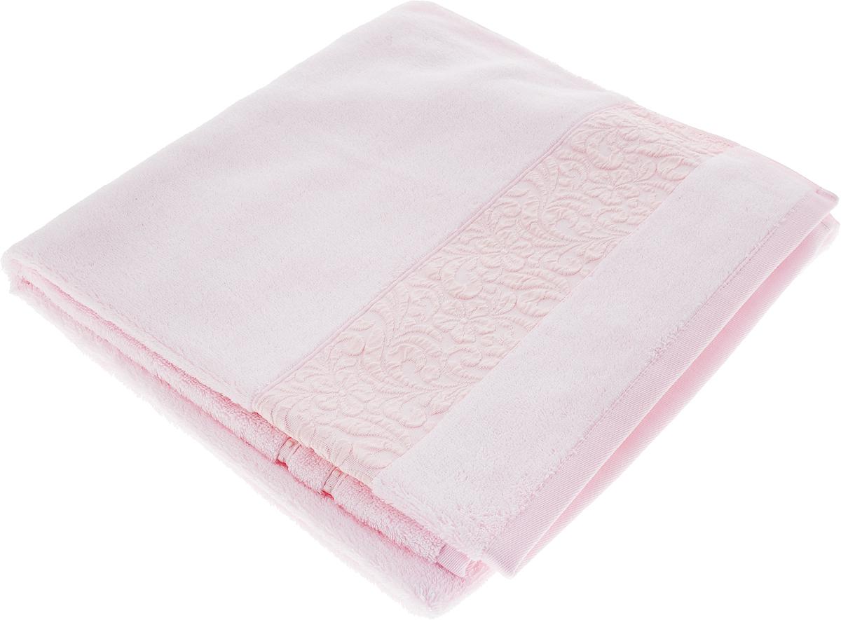 Полотенце Issimo Home Valencia, цвет: светло-розовый, 70 x 140 см00000005607Полотенца из бамбука только издали похожи на обычные. На самом деле, при первом же прикосновении Вы ощутите насколько эти полотенца мягкие и нежные! Таким полотенцем не нужно вытираться - только коснитесь кожи - и ткань сама все впитает! Такая ткань впитывает в 3 раза лучше, чем хлопок! Набор из маленьких полотенец-салфеток очень практичен – он станет незаменимым в дороге и в путешествиях. Кроме того, это хороший, красивый и изысканный сувенир для всех, кому хочется подарить подарок. Лицевые и банные полотенца выполнены в наиболее оптимальных размерах и плотности – несмотря на богатую плотность и высокую петлю полотенец, они быстро сохнут, остаются легкими даже при намокании. Коллекция бамбуковых полотенец имеет красивый жаккардовый бордюр, выполненный с орнаментом в цвет полотенец.