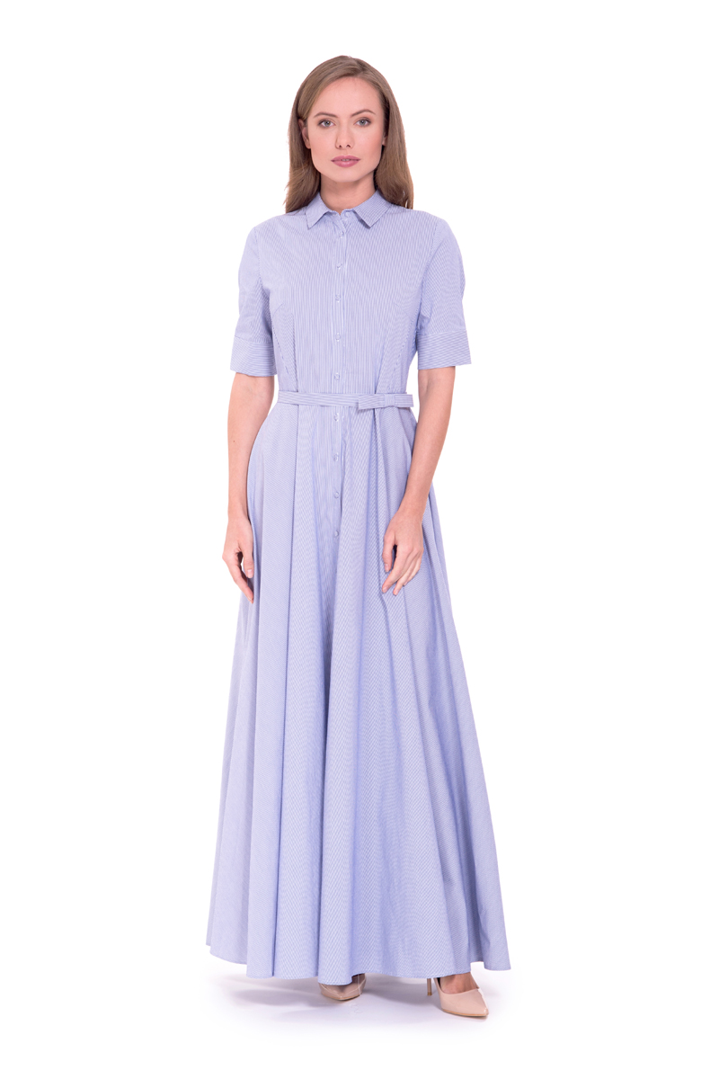 Платье Lusio, цвет: голубой. SS18-020250. Размер M (44/46)SS18-020250Платье-макси от Lusio выполнено из хлопкового материала. Модель с короткими рукавами и отложным воротником спереди застегивается на пуговицы, на талии дополнена текстильным поясом.