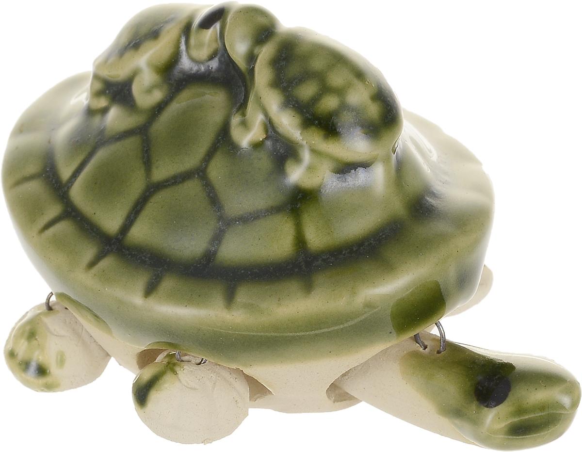 Фигурка декоративная Elan Gallery 3 черепашки, цвет: зеленый, 7 х 5,5 х 5 см170437Уют складывается из мелочей! Декоративные фигурки - это отличный способ разнообразить внутреннее убранство вашего дома.