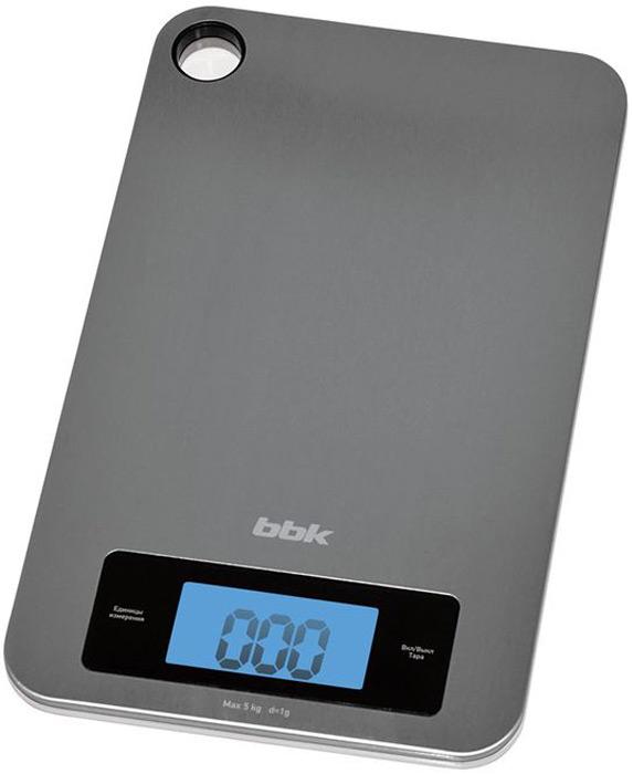 BBK KS152M весы кухонныеKS152MДля тех, кто придерживается строгих диет, и для хозяек, любящих готовить и точно измерять вес ингредиентов, кухонные весы BBK KS152M - вещь необходимая. Платформа цвета металлик, изготовленная из нержавеющей стали, для удобства хранения имеет петлю для подвешивания. ЖК-дисплей крупный, с подсветкой. Максимальный измеряемый вес 5 кг, точность измерения 1 г. Существует выбор единиц измерения – граммы (g), унция (oz), фунты (lb), килограммы (kg). Доступна функция тарокомпенсации. Отключение автоматическое.