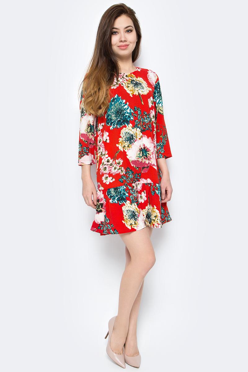 Платье Only, цвет: красный. 15153525. Размер 36 (42)15153525Платье от Only выполнено из полиэстера. Модель с рукавами 3/4 и круглым вырезом горловины на спинке застегивается на пуговицу.