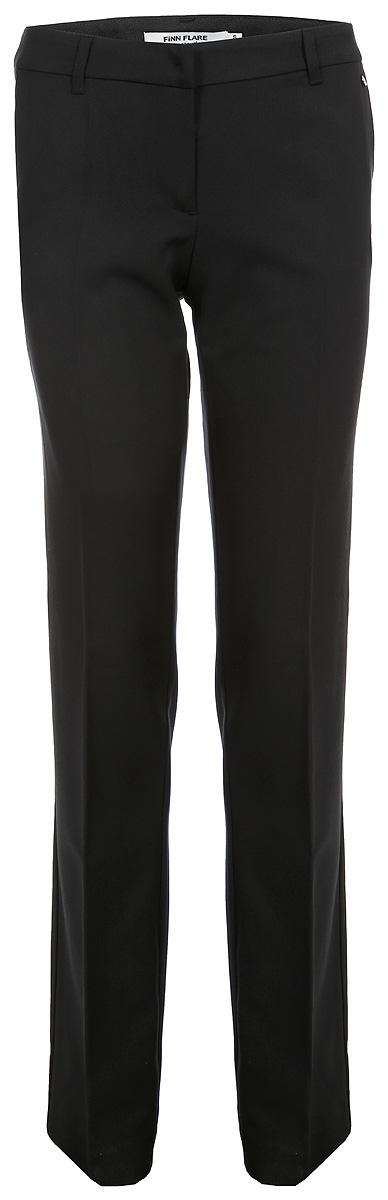 Брюки женские Finn Flare, цвет: черный. B18-11023_200. Размер L (48)B18-11023_200Стильные брюки прямого силуэта будут отлично смотреться на вас. Прямые стрелки на брюках подчеркнут длину ног. В офисе или в свободное время: эти брюки идеально подойдут для любой ситуации.