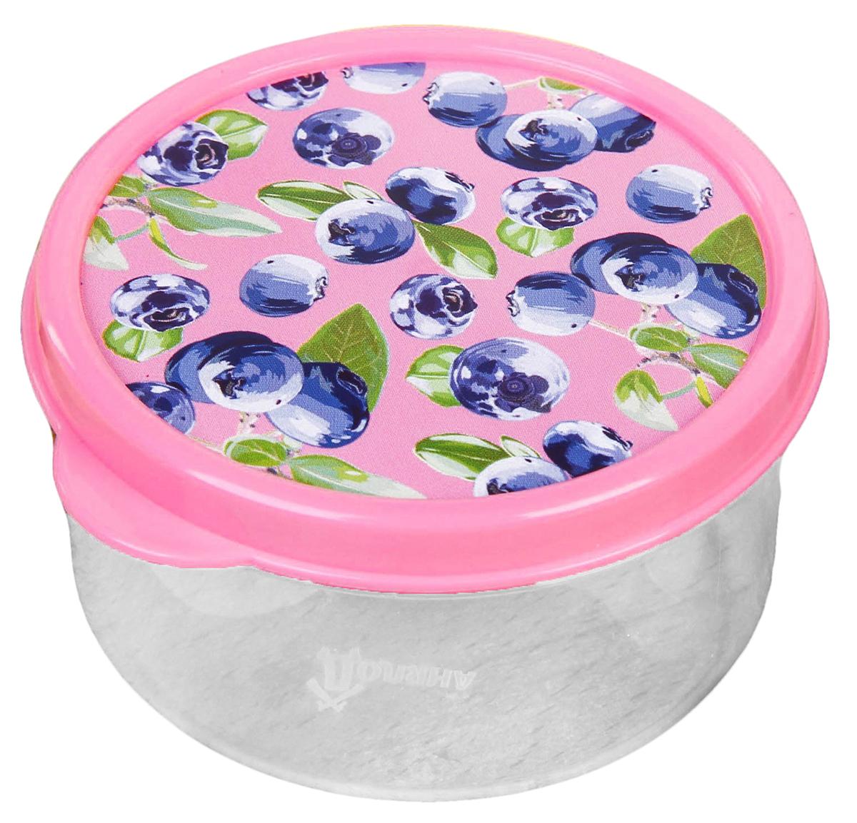 Ланч-бокс Черника, 0,15 л2789845Ланч-бокс Черника изготовлен из качественного пищевого пластика. Он снабжен плотно закрывающейся крышкой, а это значит, что вы сможете брать на работу, в дорогу или на пикник разнообразную, а самое главное - вкусную и полезную пищу! Оригинальный рисунок на крышке поднимет настроение хозяину и окружающим.Контейнер прост и удобен в обращении: его можно хранить в холодильнике, разогревать в микроволновой печи, мыть в посудомоечной машине.