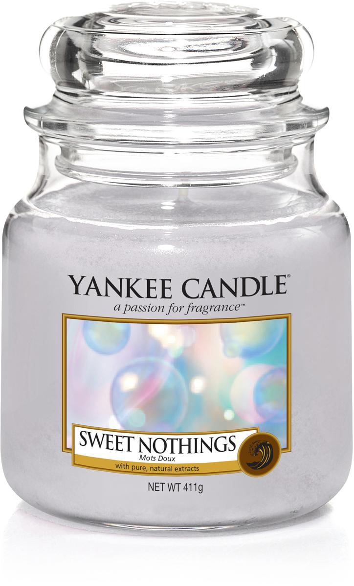 Свеча ароматизированная Yankee Candle Сладость, 411 г ароматическая свеча yankee candle cuban mojito medium jar candle объем 411 г