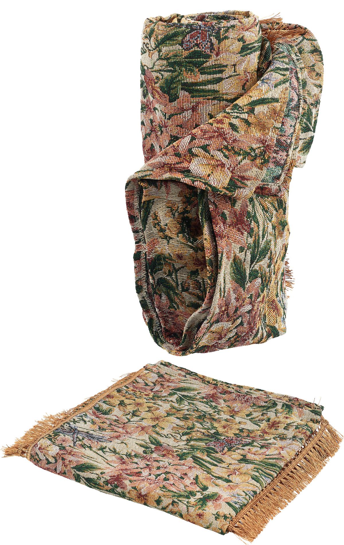Гобеленовые полотна для покрывал изготавливаются из качественного хлопка, с добавлением полиэстера. Ткань очень плотная, прочная, отлично сохраняет форму и в то же время мягкая и приятная на ощупь. Пестрый рисунок достигается путем переплетения нитей разных цветов, а не путем окрашивания готового полотна. Состав гобелена для повышения износостойких качеств производители добавляют до 50% полиэстера. Достоинства: - экологичность. Преобладание натуральных волокон в составе гобеленового полотна позволяет обеспечить покрывалу хорошую воздухопроницаемость, гигроскопичность и достойные гигиенические свойства.  - простота ухода. Покрывало не требует частых стирок, не боится солнечного света, не выцветает и не линяет; - не требует подкладки и уплотнителя. Ткань сама по себе достаточно жесткая, хорошо держит форму и помогает сгладить неровности; - износостойкость. Долговечность обеспечивает особая техника плетения нитей, а добавление синтетических волокон помогает увеличить срок службы изделия. Покрывала из гобелена благодаря своей пестроте материал сам по себе не нуждается в частой стирке. Состав: 50%хлопок, 50% полиэстер,  Уход: стирка 30градусов в деликатном режиме, глажка в режиме хлопка.  Размеры: 150 х 200 см Размер: 70 х 140 см (2 шт)