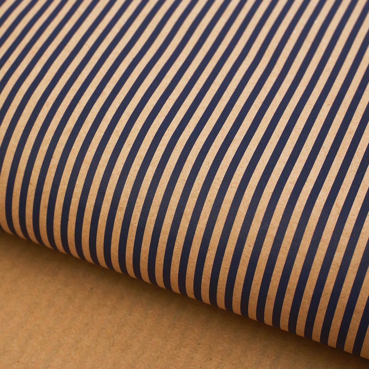 Крафт бумага Дарите Счастье Морская полоска, 50 х 70 см2771487Любой подарок начинается с упаковки. Что может быть трогательнее и волшебнее, чем ритуал разворачивания полученного презента. И именно оригинальная, со вкусом выбранная упаковка выделит ваш подарок из массы других. Она продемонстрирует самые теплые чувства к виновнику торжества и создаст сказочную атмосферу праздника.