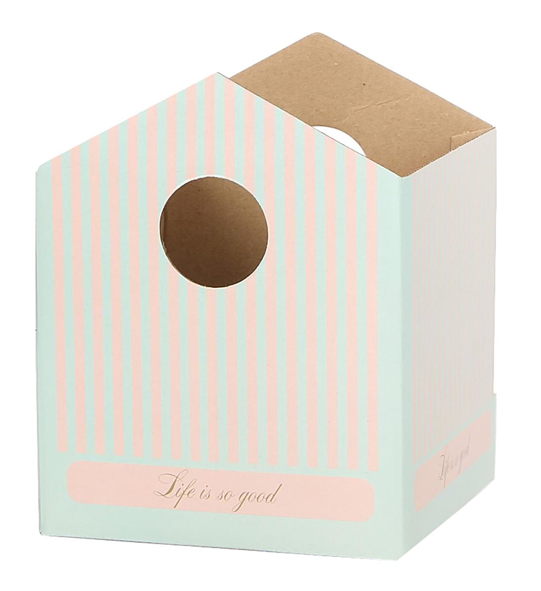 Коробка-домик Дарите Счастье Французский дом, для цветов, складная, 15 х 19 см2965236Любой подарок начинается с упаковки. Что может быть трогательнее и волшебнее, чем ритуал разворачивания полученного презента. И именно оригинальная, со вкусом выбранная упаковка выделит ваш подарок из массы других. Она продемонстрирует самые теплые чувства к виновнику торжества и создаст сказочную атмосферу праздника.