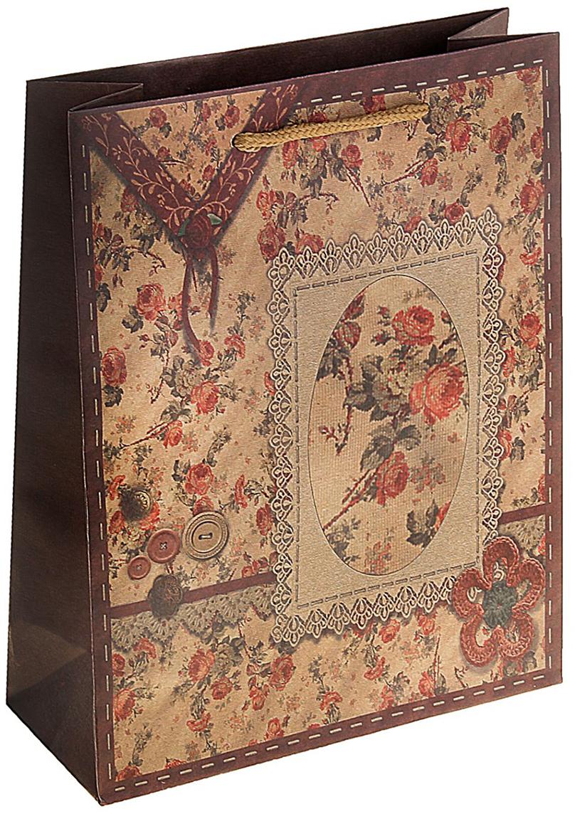 Пакет подарочный Винтаж, цвет: коричневый, 19 х 8 х 24,5 см. 180581180581Любой подарок начинается с упаковки. Что может быть трогательнее и волшебнее, чем ритуал разворачивания полученного презента. И именно оригинальная, со вкусом выбранная упаковка выделит ваш подарок из массы других. Она продемонстрирует самые теплые чувства к виновнику торжества и создаст сказочную атмосферу праздника. Пакет-крафт Винтаж - это то, что вы искали.