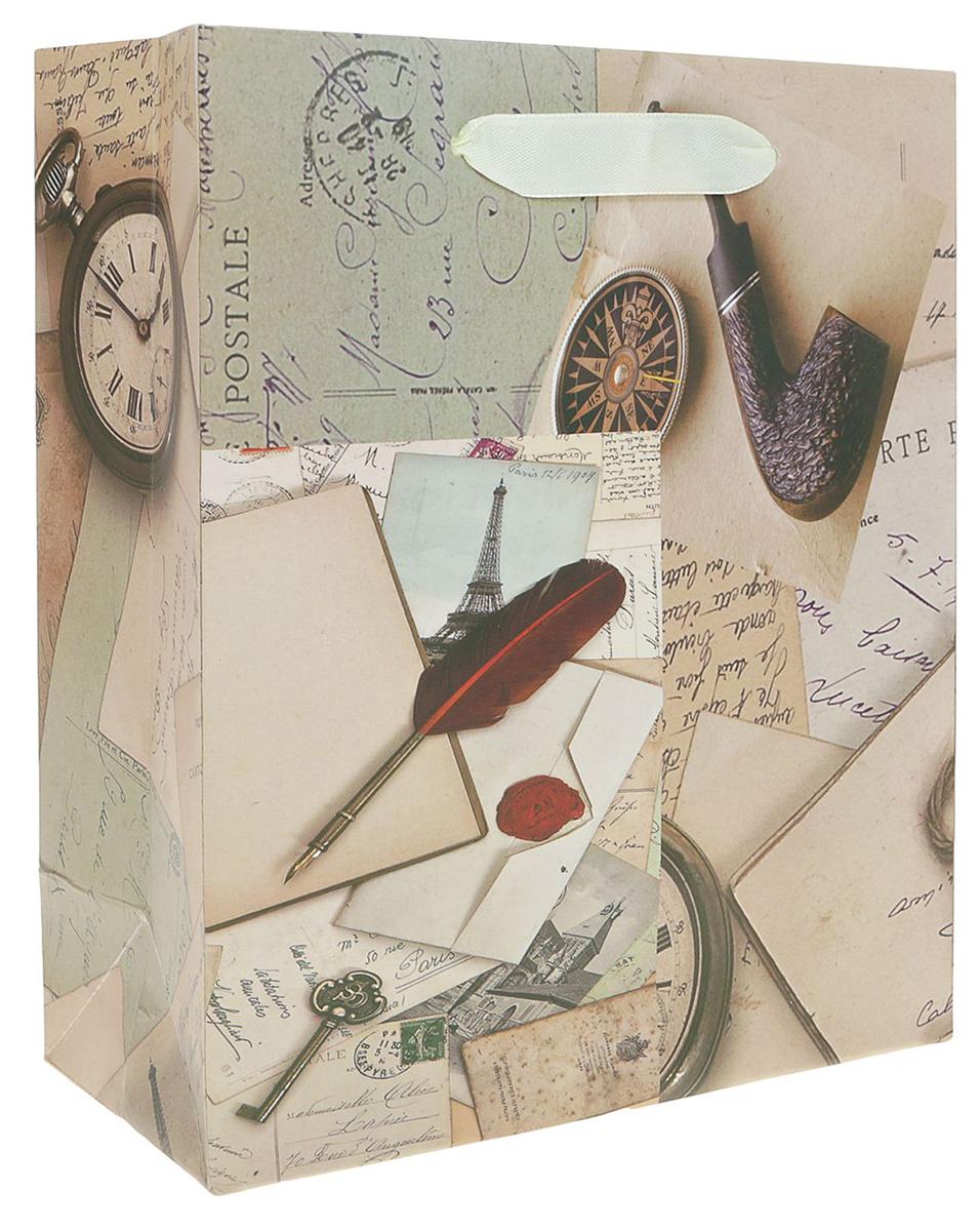 Пакет подарочный Винтаж, цвет: бежевый, 18 х 21 х 8,5 см. 24900622490062Любой подарок начинается с упаковки. Что может быть трогательнее и волшебнее, чем ритуал разворачивания полученного презента. И именно оригинальная, со вкусом выбранная упаковка выделит ваш подарок из массы других. Она продемонстрирует самые теплые чувства к виновнику торжества и создаст сказочную атмосферу праздника. Пакет подарочный Винтаж - это то, что вы искали.