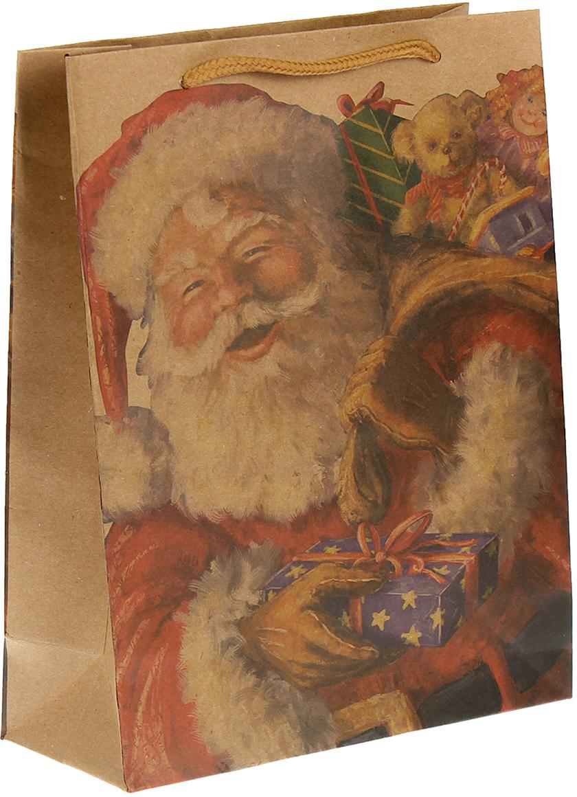Пакет подарочный Дед Мороз, цвет: мультиколор, 24 х 33 х 8 см. 24509762450976Любой подарок начинается с упаковки. Что может быть трогательнее и волшебнее, чем ритуал разворачивания полученного презента. И именно оригинальная, со вкусом выбранная упаковка выделит ваш подарок из массы других. Она продемонстрирует самые теплые чувства к виновнику торжества и создаст сказочную атмосферу праздника. Пакет-крафт Дед Мороз - это то, что вы искали.