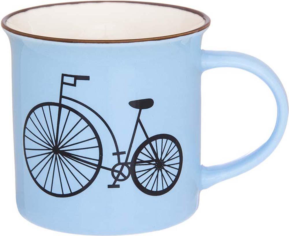 Кружка Elan Gallery Велосипед, цвет: голубой, 210 мл130001Кружка Elan Gallery Велосипед выполнена из высококачественного фарфора и оформлена красочным рисунком. Изделие станет отличным дополнением к сервировке семейного стола, а также замечательным подарком для ваших родных и друзей.Не рекомендуется применять абразивные моющие средства.Объем: 210 мл.