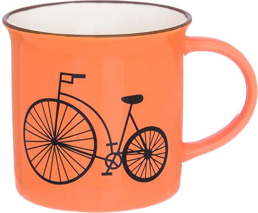 Фарфоровая кружка классической формы объемом 210 мл с удобной ручкой. Подходят для любых горячих и холодных напитков, чая, кофе, какао.