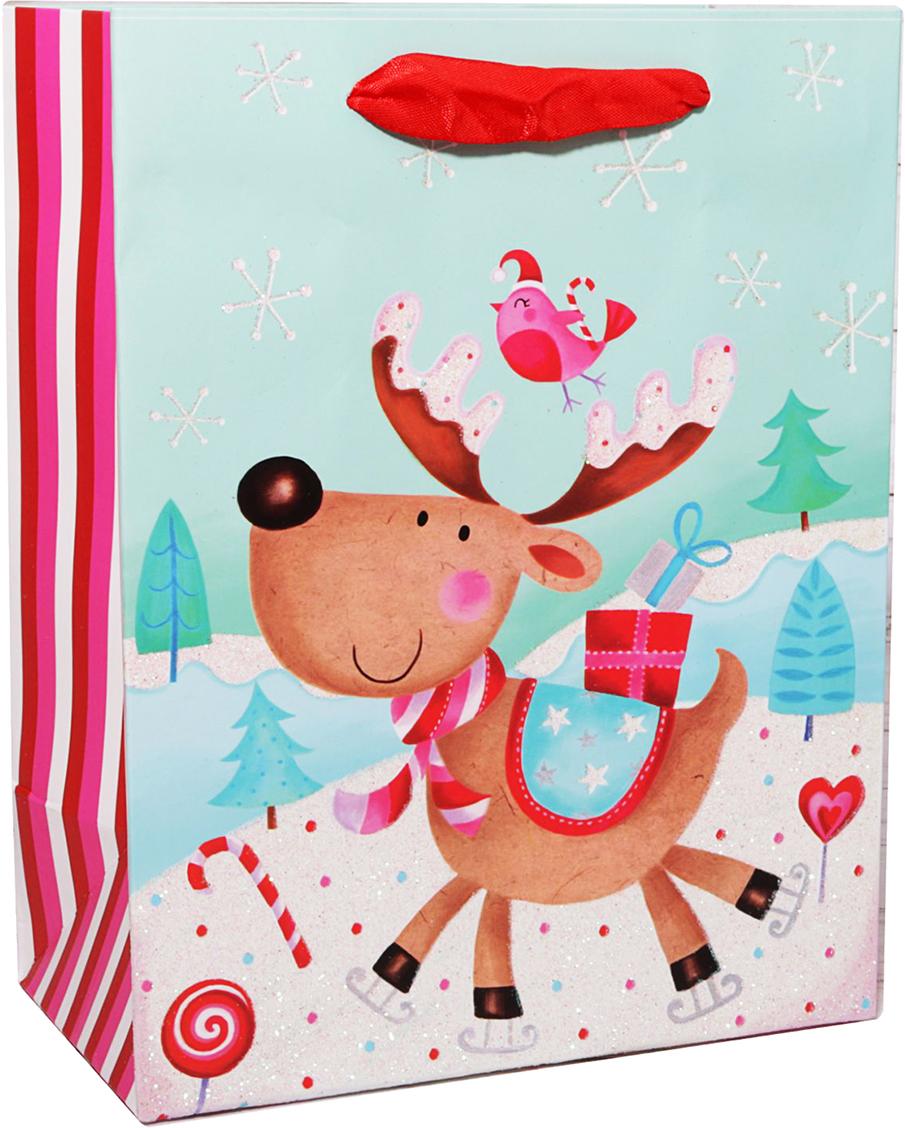 Пакет подарочный Зимний лес, цвет: мультиколор, 23 х 18 х 10 см. 24783042478304Любой подарок начинается с упаковки. Что может быть трогательнее и волшебнее, чем ритуал разворачивания полученного презента. И именно оригинальная, со вкусом выбранная упаковка выделит ваш подарок из массы других. Она продемонстрирует самые теплые чувства к виновнику торжества и создаст сказочную атмосферу праздника. Пакет подарочный Зимний лес - это то, что вы искали.