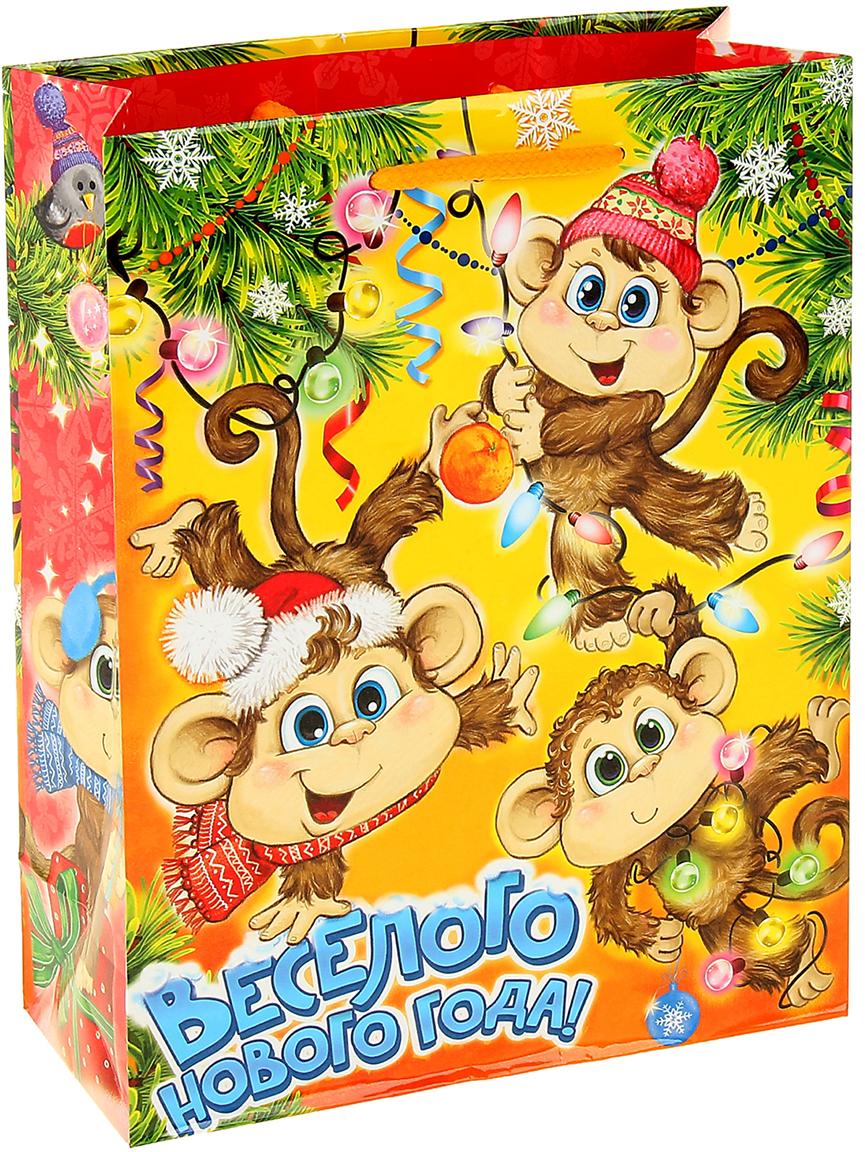Пакет подарочный Дарите Счастье Веселые обезьянки, цвет: мультиколор, 23 х 8 х 27 см. 10529591052959Привлекательная упаковка послужит достойным украшением любого, даже самого скромного подарка. Она поможет создать интригу и продлить время предвкушения чуда - момента, когда презент окажется в руках адресата. Пакет имеет яркий, оригинальный дизайн, который обязательно понравится получателю! Изделие выполнено из плотной бумаги, благодаря чему обеспечит надежную защиту содержимого.