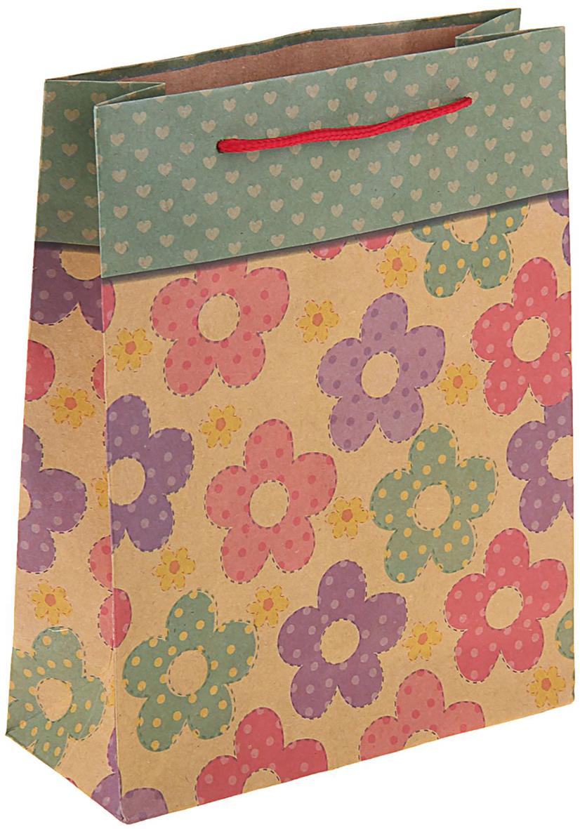 Пакет подарочный Цветочный рай, цвет: мультиколор, 19 х 8 х 24 см. 11506771150677Пакет-крафт Цветочный рай из натуральной бумаги отличается высокой воздухопроницаемостью, имеет крепкое дно и крученые ручки. Также он свободно выдерживает относительно большой вес до 10 кг, демонстрируя отличные показатели прочности, и не рвется острыми углами подарочной коробки. Практичность в использовании и разумная стоимость - все это характеризует удобную и абсолютно безопасную в применении упаковку. Модный сдержанный принт подойдет и для дорогой покупки из бутика, и для повседневных бытовых целей. Фирмы, упаковывающие свою продукцию таким образом, демонстрируют осведомленность в вопросах экологии, качестве выпускаемых изделий и заботы о ее потребителях.