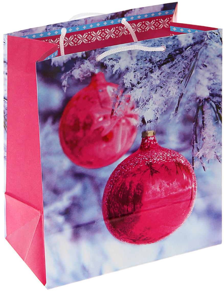 Пакет подарочный Арт и Дизайн Зеркальный шар, цвет: мультиколор, 36 х 26 х 11,5 см. 16061681606168Невозможно представить нашу жизнь без праздников! Мы всегда ждем их и предвкушаем, обдумываем, как проведем памятный день, тщательно выбираем подарки и аксессуары, ведь именно они создают и поддерживают торжественный настрой - это отличный выбор, который привнесет атмосферу праздника в ваш дом!Любой подарок начинается с упаковки. Что может быть трогательнее и волшебнее, чем ритуал разворачивания полученного презента. И именно оригинальная, со вкусом выбранная упаковка выделит ваш подарок из массы других. Она продемонстрирует самые теплые чувства к виновнику торжества и создаст сказочную атмосферу праздника - это то, что вы искали.