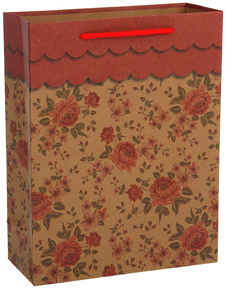 Пакет подарочный, цвет: красный, 36 х 27 х 8 см. 18492591849259Любой подарок начинается с упаковки. Что может быть трогательнее и волшебнее, чем ритуал разворачивания полученного презента. И именно оригинальная, со вкусом выбранная упаковка выделит ваш подарок из массы других. Она продемонстрирует самые теплые чувства к виновнику торжества и создаст сказочную атмосферу праздника - это то, что вы искали.