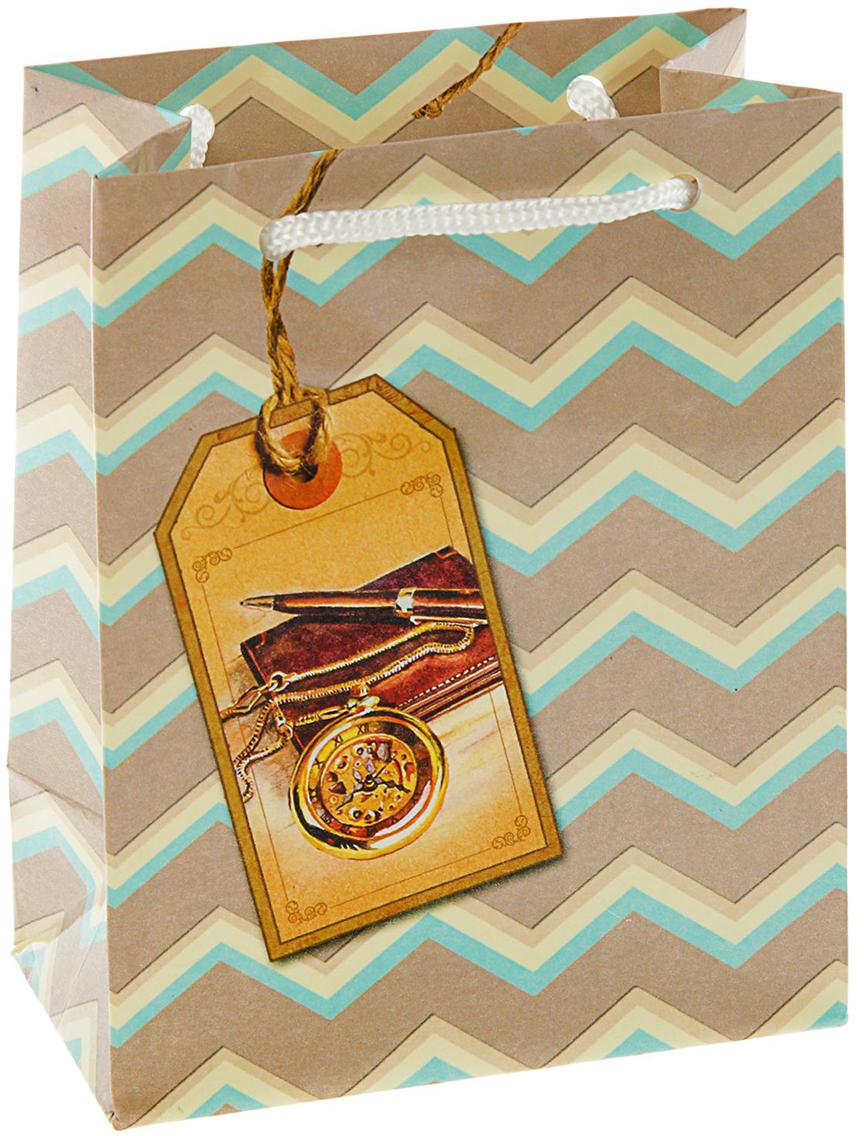 Пакет подарочный Арт и Дизайн Деловой, цвет: бежевый, 14,5 х 11,5 х 6,5 см. 21220962122096Любой подарок начинается с упаковки. Что может быть трогательнее и волшебнее, чем ритуал разворачивания полученного презента. И именно оригинальная, со вкусом выбранная упаковка выделит ваш подарок из массы других. Она продемонстрирует самые теплые чувства к виновнику торжества и создаст сказочную атмосферу праздника - это то, что вы искали.