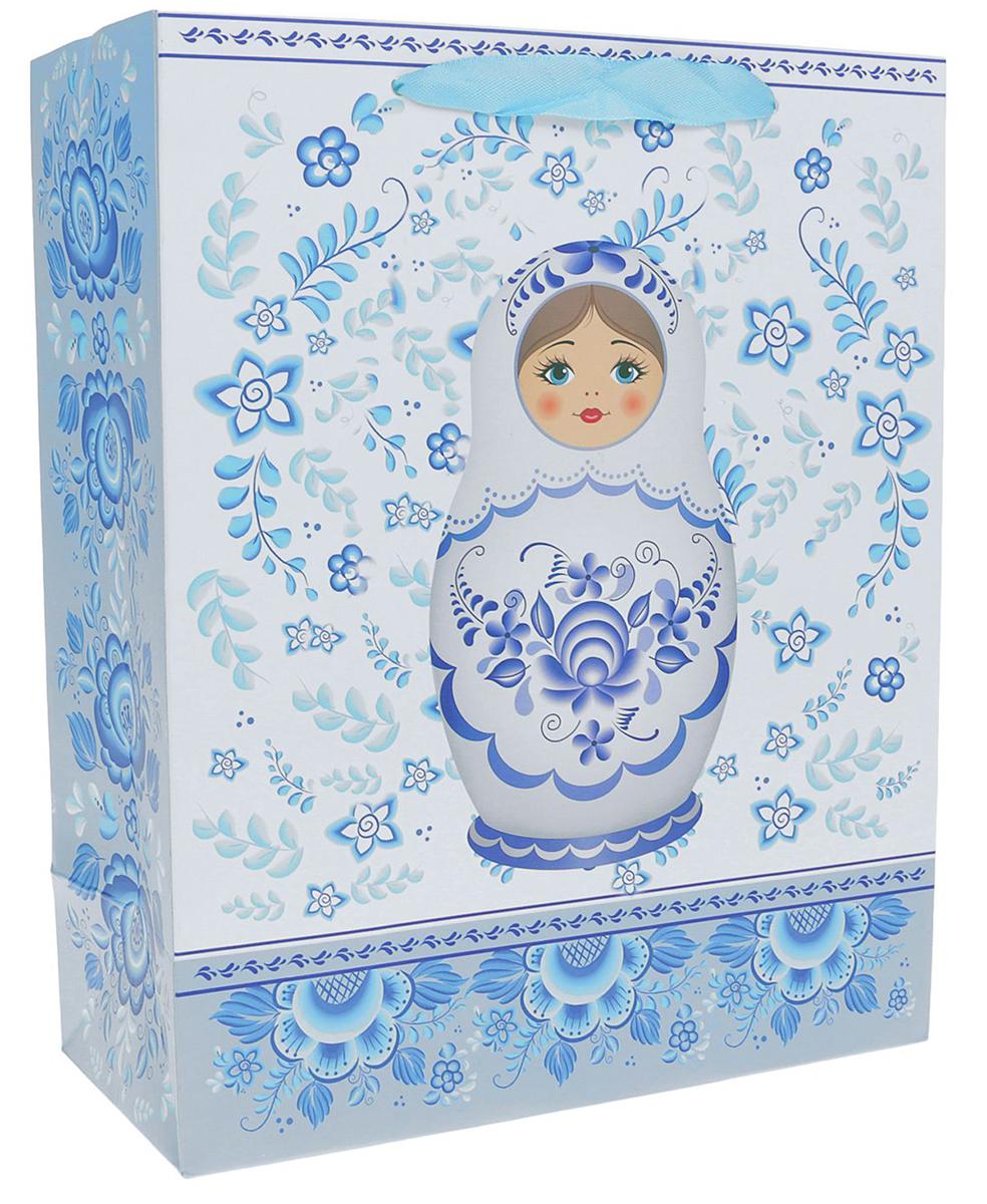 Пакет подарочный Матрешка, цвет: голубой, 26 х 10 х 32 см. 24901762490176Любой подарок начинается с упаковки. Что может быть трогательнее и волшебнее, чем ритуал разворачивания полученного презента. И именно оригинальная, со вкусом выбранная упаковка выделит ваш подарок из массы других. Она продемонстрирует самые теплые чувства к виновнику торжества и создаст сказочную атмосферу праздника. Пакет подарочный Матрешка - это то, что вы искали.