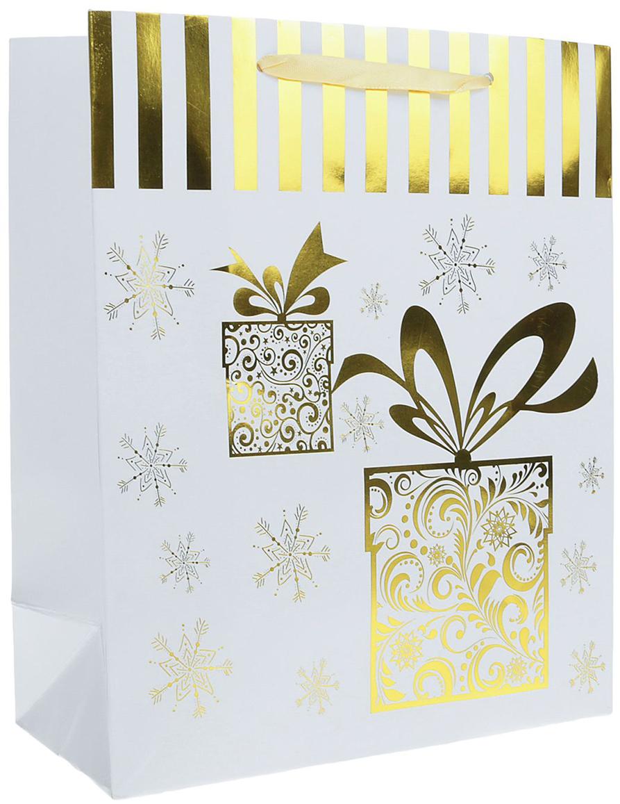 Пакет подарочный Люкс. Подарки, цвет: белый, 26 х 10 х 32 см. 24901822490182Любой подарок начинается с упаковки. Что может быть трогательнее и волшебнее, чем ритуал разворачивания полученного презента. И именно оригинальная, со вкусом выбранная упаковка выделит ваш подарок из массы других. Она продемонстрирует самые теплые чувства к виновнику торжества и создаст сказочную атмосферу праздника. Пакет подарочный Подарки, люкс - это то, что вы искали.
