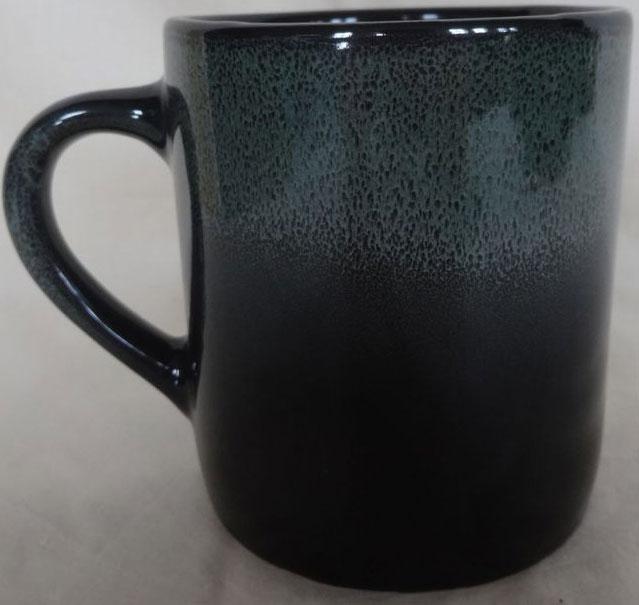 """Кружка Хорекс """"Classico"""" изготовлена из высококачественного фарфора. Такая кружка станет неизменным атрибутом домашнего чаепития, а пить любимый напиток из нее будет еще приятнее."""